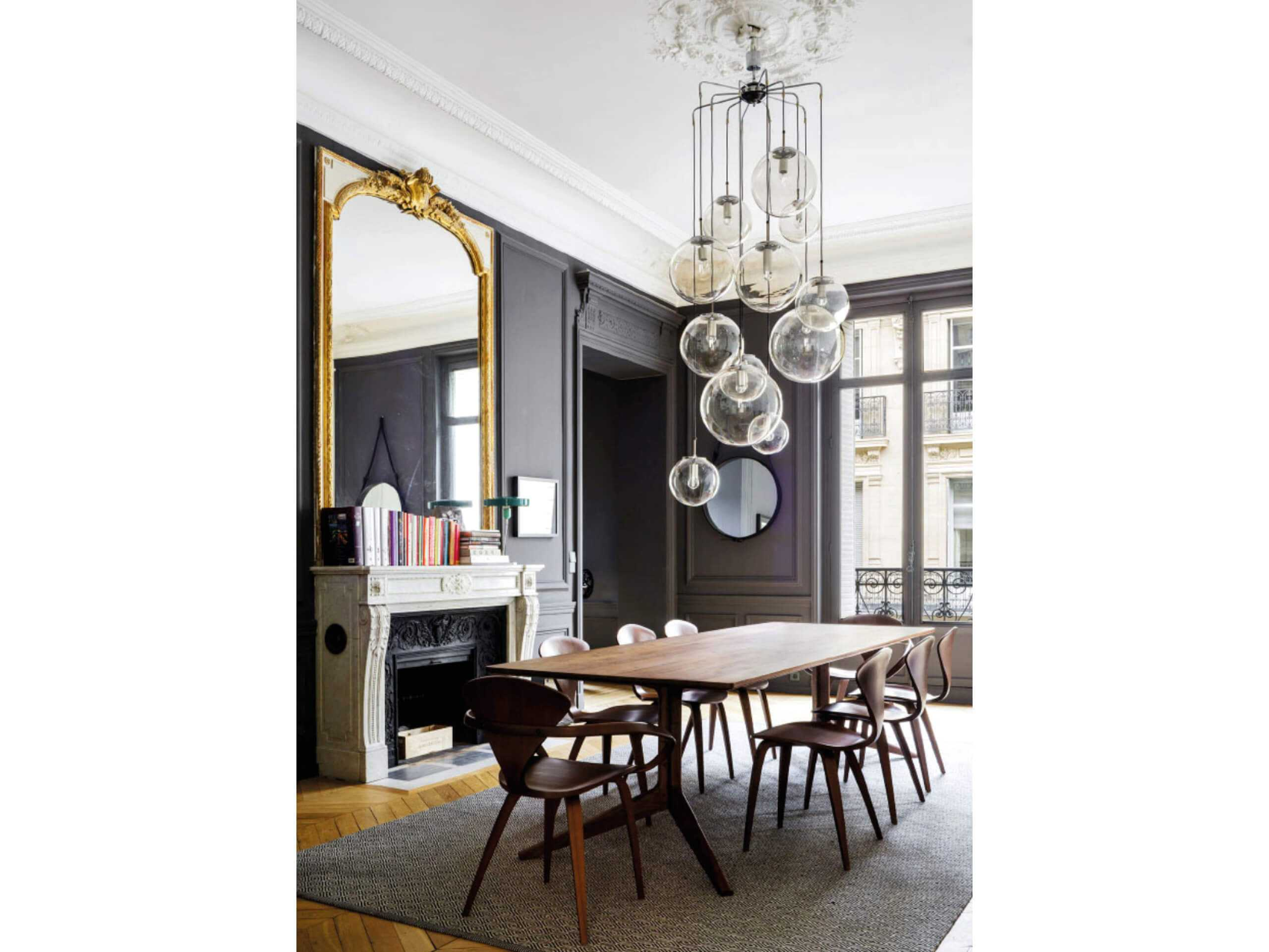That wow factor: finishing touches in the form of beautiful lighting and ornate mirror. Image via Pinterest